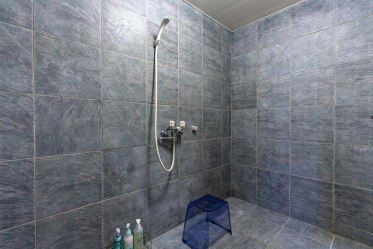 シャワー室(1)