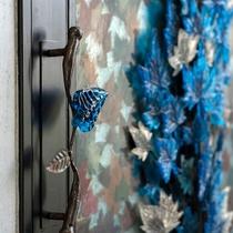クルスデザインの美しいドア