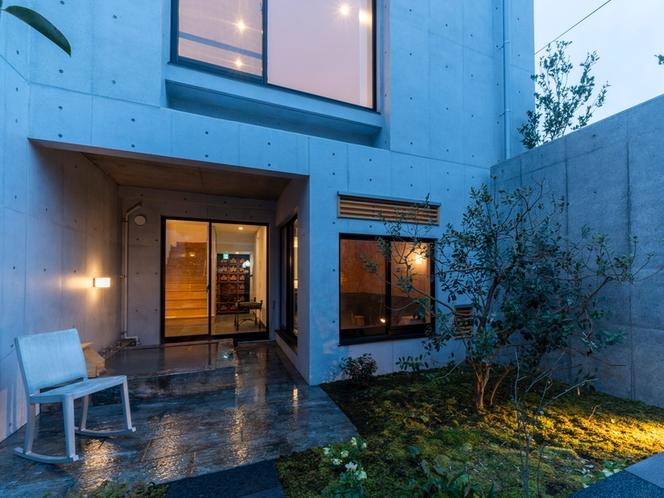 客室/全室庭付き、清々しい空気や景色のもとリフレッシュの時間をご提供します