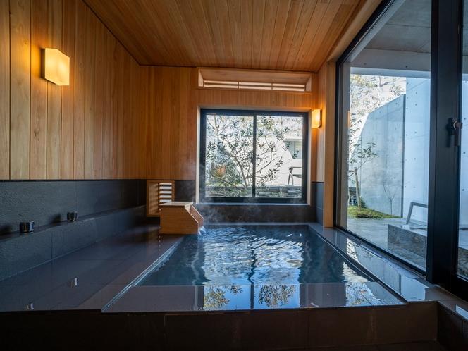 客室/心地よいヒノキの香り漂う内風呂