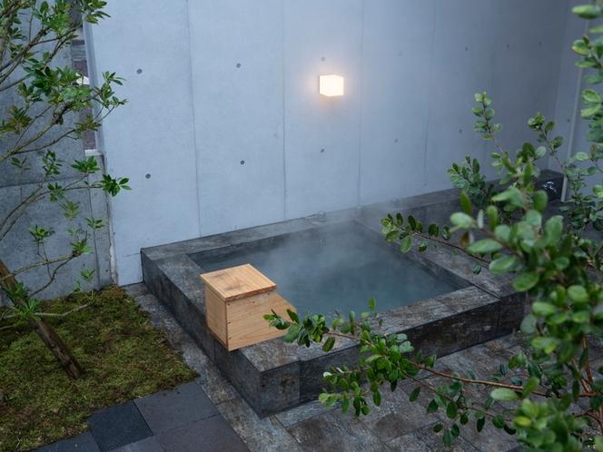 客室/温泉露天風呂をゆったりとお楽しみください