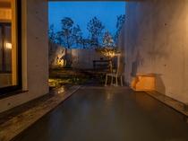 客室/全室に源泉かけ流しの温泉を完備