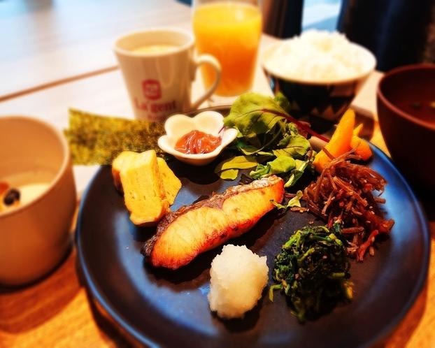 朝食和洋ビュッフェ-和食イメージ