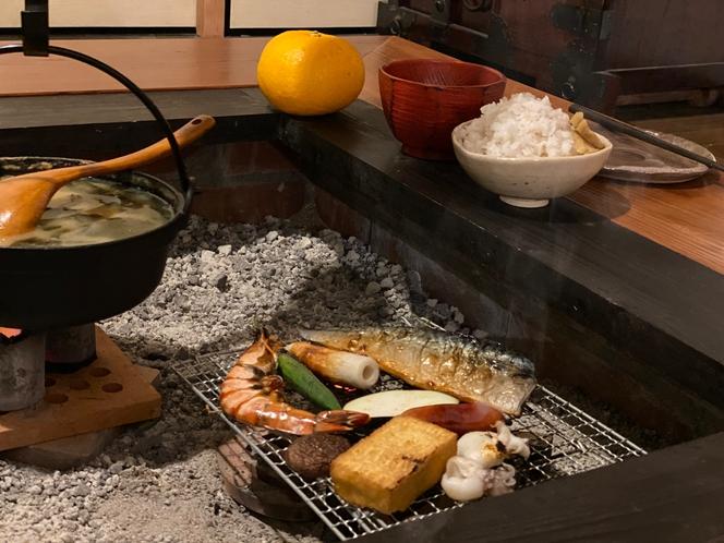 囲炉裏で焼き魚コース