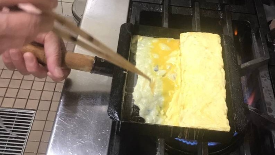 朝食バイキング 手作りだし巻き玉子