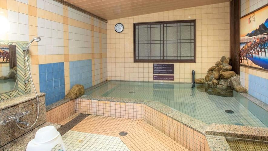 1階 男性用浴場