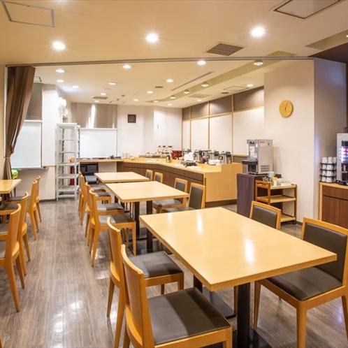 【館内】朝食、ハッピーアワー会場