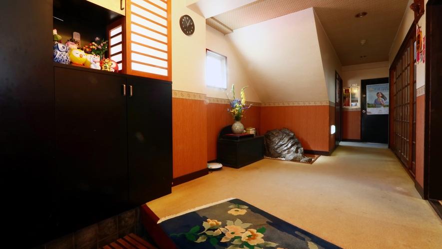 ◆梅木屋旅館 玄関◆アットホームな雰囲気でお出迎えします!