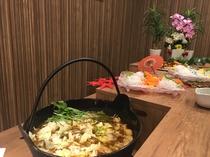 夕食バイキング例 お鍋のシーズン♪画像は上田カリーを使用したカリー鍋♪