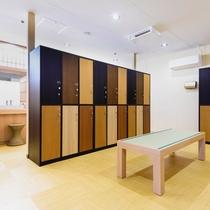 繊細さと温かみのある京町屋風イメージさせる空間【女性浴室】