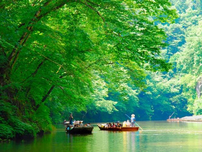 【周辺観光】《名勝 日本百景・猊鼻渓(夏)》徒歩で約8分