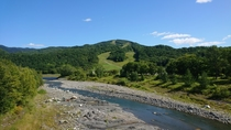 北日高岳(日高国際スキー場)と沙流川