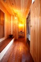 お風呂トイレへの廊下