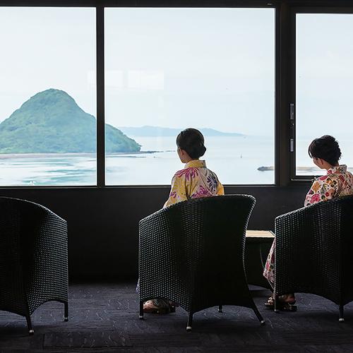 湯上り処は天草富士の景観が抜群♪有明海が望めます。
