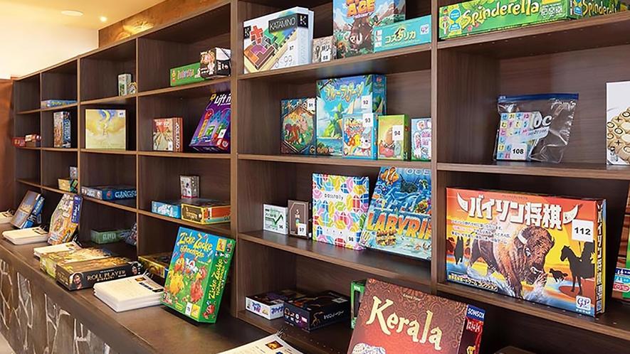 100種類以上の世界のボードゲームが楽しめます。お部屋への持ち出しもOK!