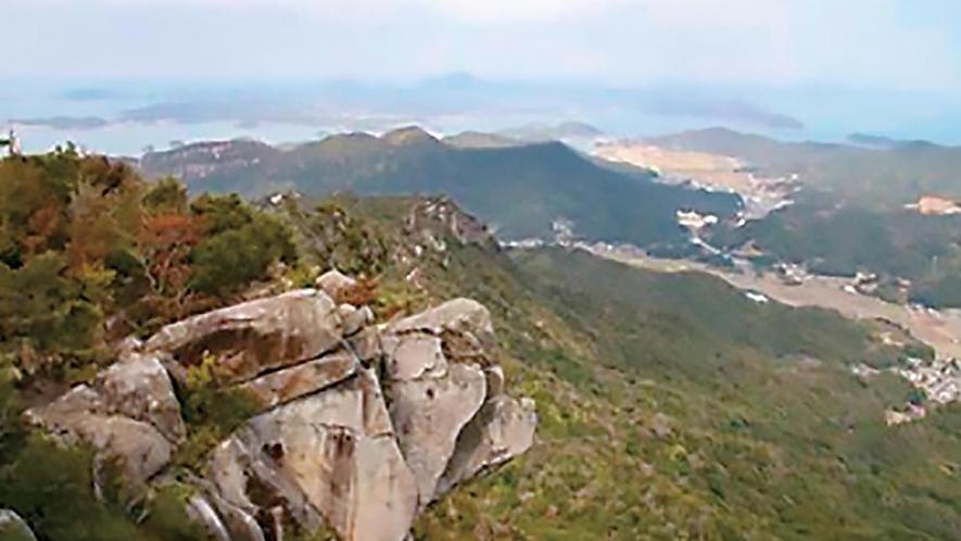 登山コースが人気のパワースポット【次郎丸岳・太郎丸岳】