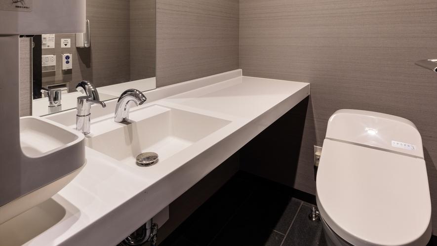共用トイレ(2F)