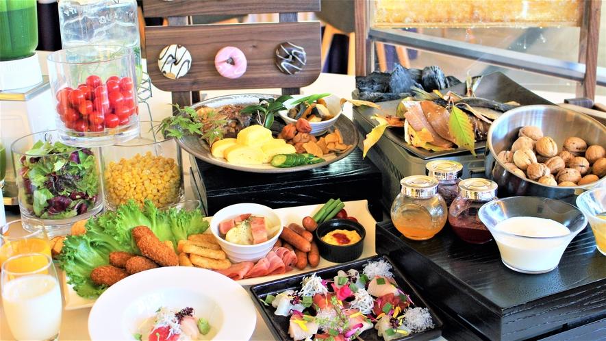 【朝食】和歌山の朝市をイメージしたヘルシーで体に優しい料理をご用意いたしました。