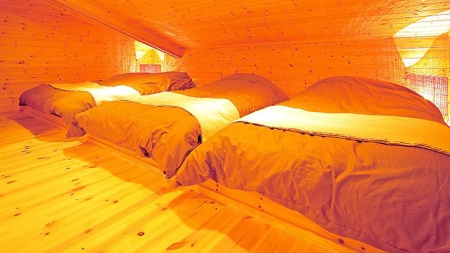 302/303号室 岩風呂付コテージタイプ(定員8名様)寝室