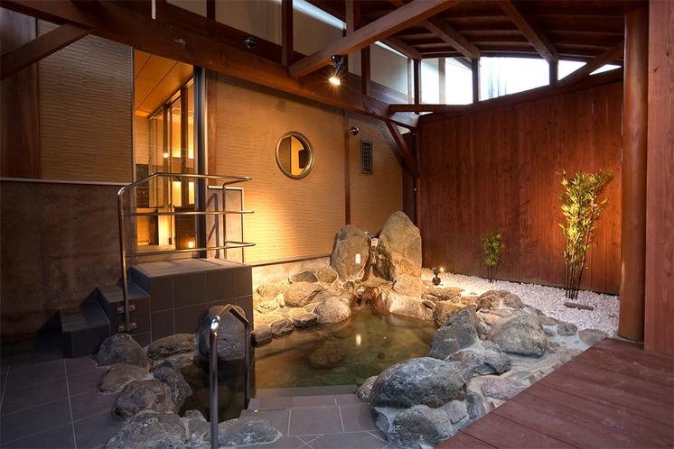 【111号室】お客様に大人気!露天風呂岩風呂の雰囲気が大人気の秘密