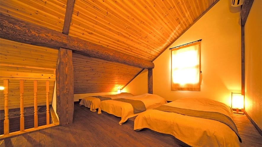 117/118号室(定員5名様) ロフト寝室