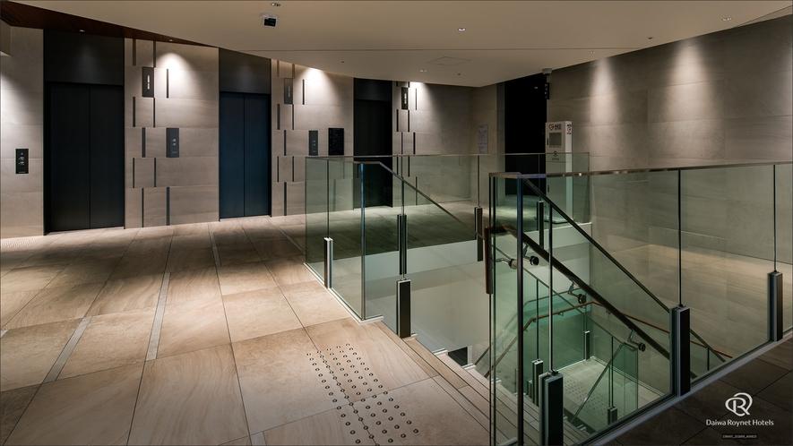 2Fエレベーター