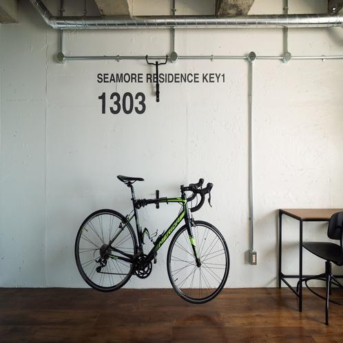 【お部屋】R1303号室(オーシャンビュートリプル)お部屋にはバイクハンガーも付いてます。