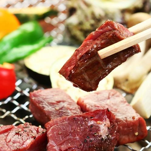 夕食◆牛ステーキも贅沢に囲炉裏の炭火焼きで