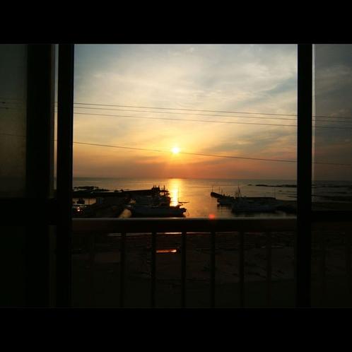*部屋からの夕陽 (5)