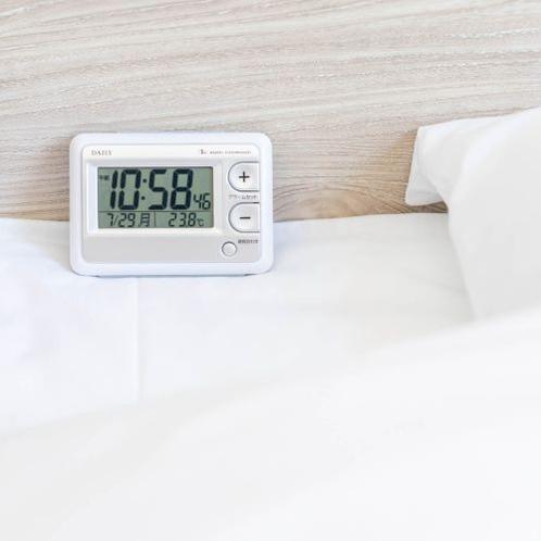 【目覚まし電波時計】モーニングコール代わりに使って朝寝坊の心配なし。