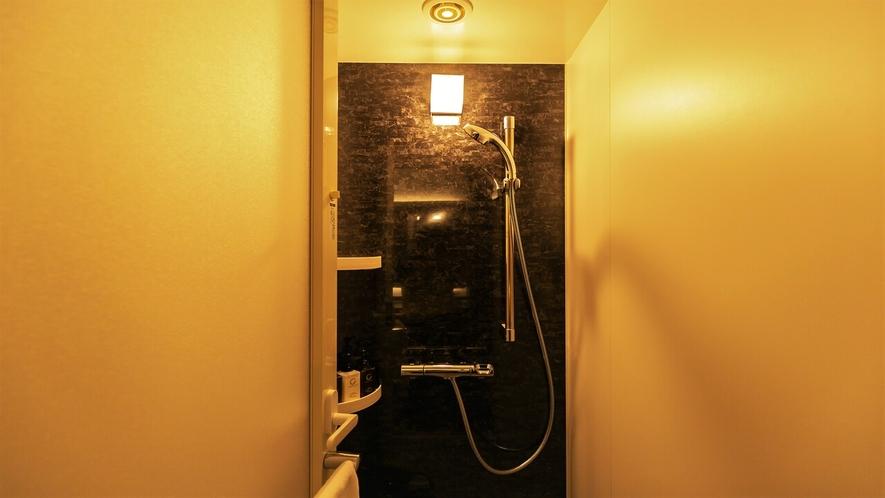 客室内シャワールームが全室についております。