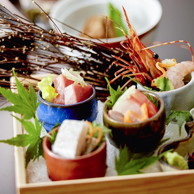 【夕食】季節によって食材が変更になる可能性がございます