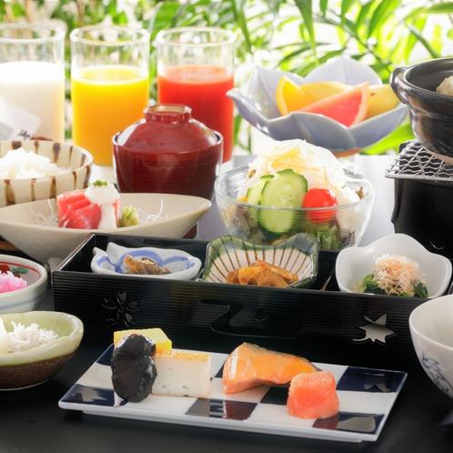 につかったお料理の数々  【朝食】小鉢をそろえて美味しいものを少しずつたくさん召し上がれるように