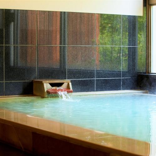 【温泉大浴場】美肌効果がある他、身体がよく温まり、神経痛や動脈硬化などの効能もあります。