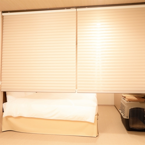【お部屋食でも安心】全部屋、寝室とリビングを引き戸、またはスクリーンで、仕切ることができます