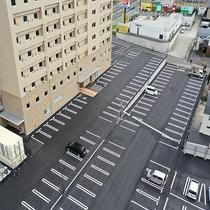 平面駐車場は160台分ご用意しております