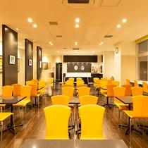 ≪ラウンジ(1階)≫ 朝食時や面会等にご利用ください