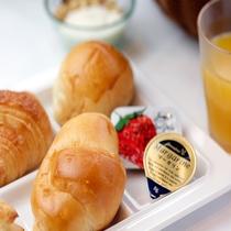 大好評‼︎  朝食焼きたてパン※4/14~当面無料朝食内容縮小中。画像とは異なります。