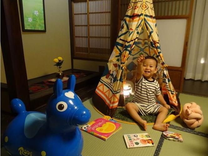 お子様の記念日にも♪秘密基地をご用意。テント、ロバ、絵本を無料貸出。