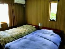 寝室・シングル(2F)