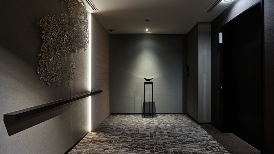 <エレベーターホール>