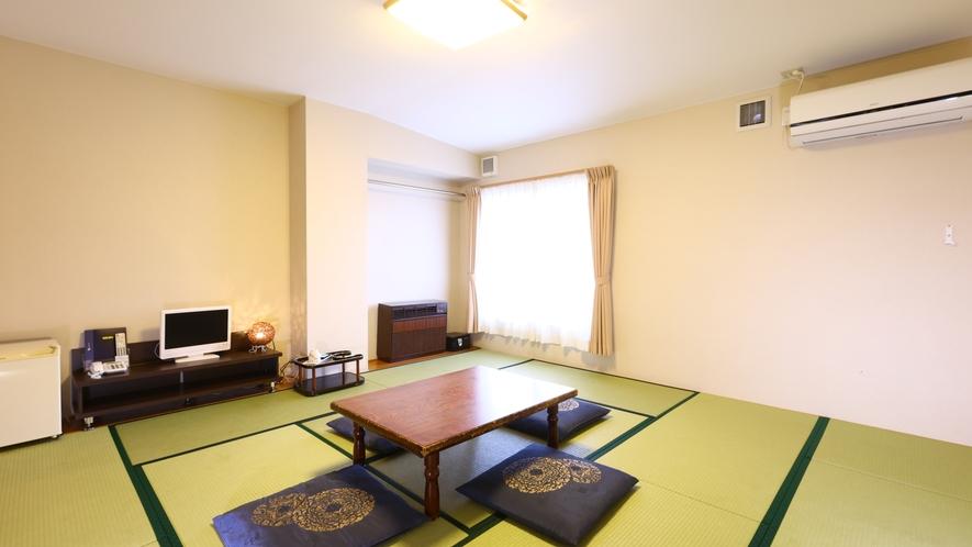 和室12.5畳。グループやご家族におすすめです。