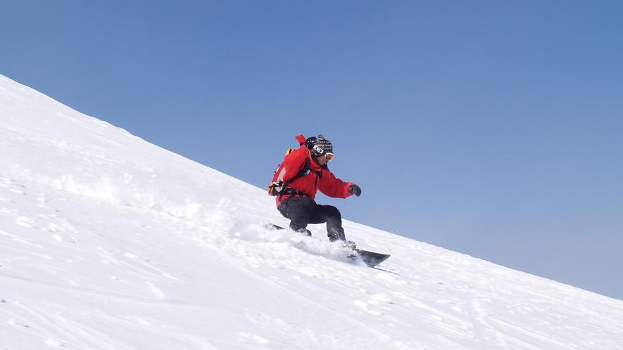 栂池高原スキー場は当館から徒歩1分!