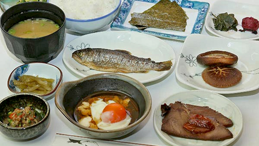 《ご朝食》