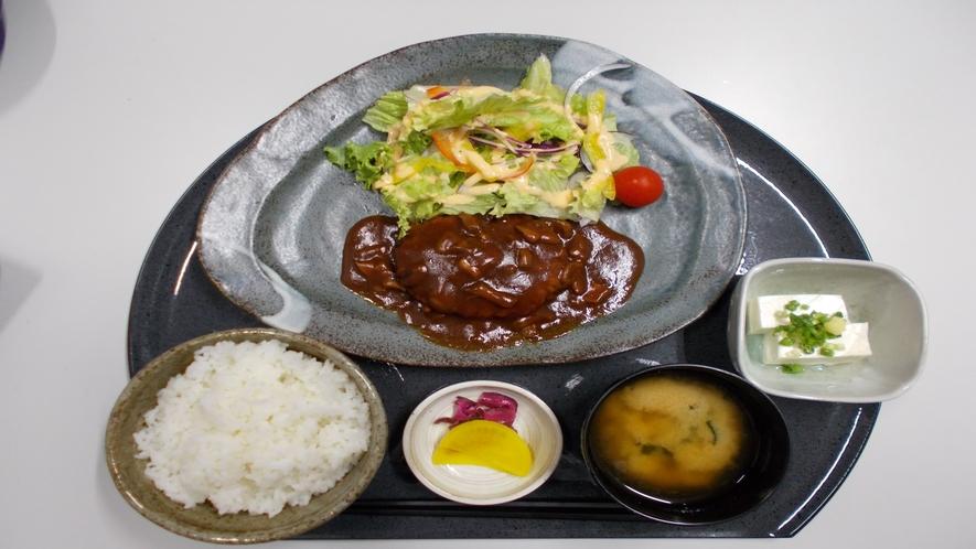 ★【定食メニュー】デミグラスハンバーグ定食