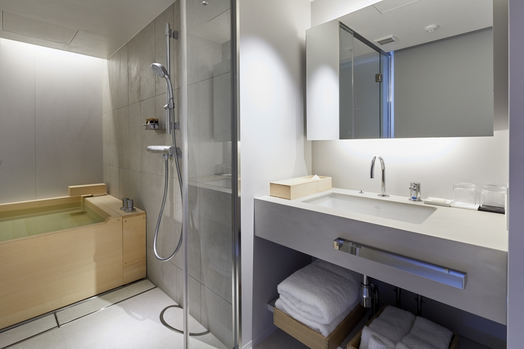 プレミアツインベッドルーム 〈檜風呂付〉洗面所