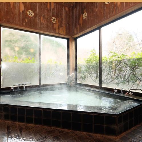 *半露天風呂◆神経痛や筋肉痛に効能のある新田温泉です