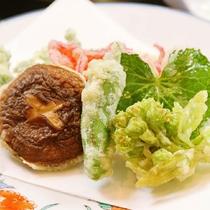 *夕食一例◆天ぷら 地元の山幸をどうぞ!