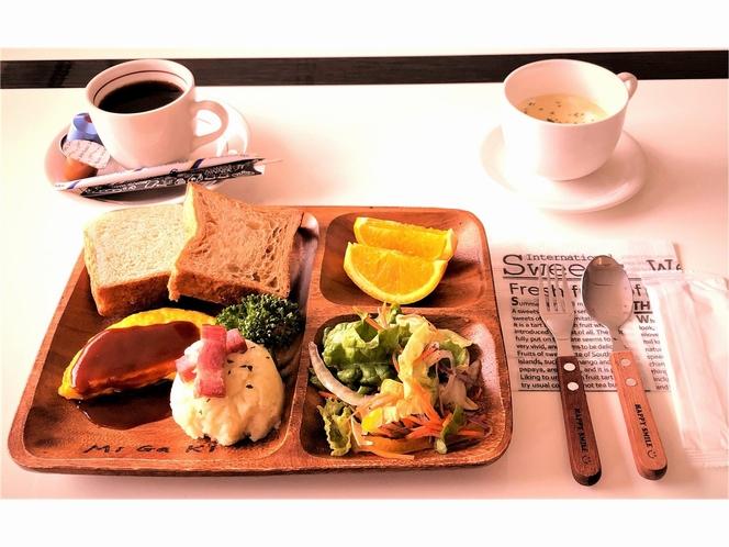 リーズナブルな価格の朝食です。温かい卵料理等が付いたアメリカン・ブレックファストです。