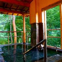 【露天風呂】松川渓谷のせせらぎと、小鳥のさえずりを聞きながらリラックス